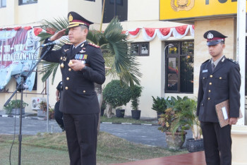 UPACARA 17 AGUSTUS DAN PEMBERIAN REWARD KEPADA LIMA ANGGOTA BERPRESTASI