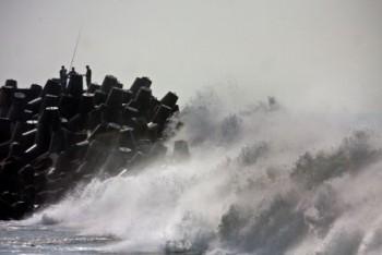 BMKG : Waspada Gelombang Tinggi Di Perairan Jawa